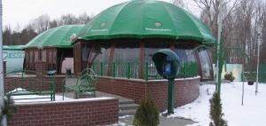 г.Кобрин, кафе Беларуснефть, цветочница, скамейки